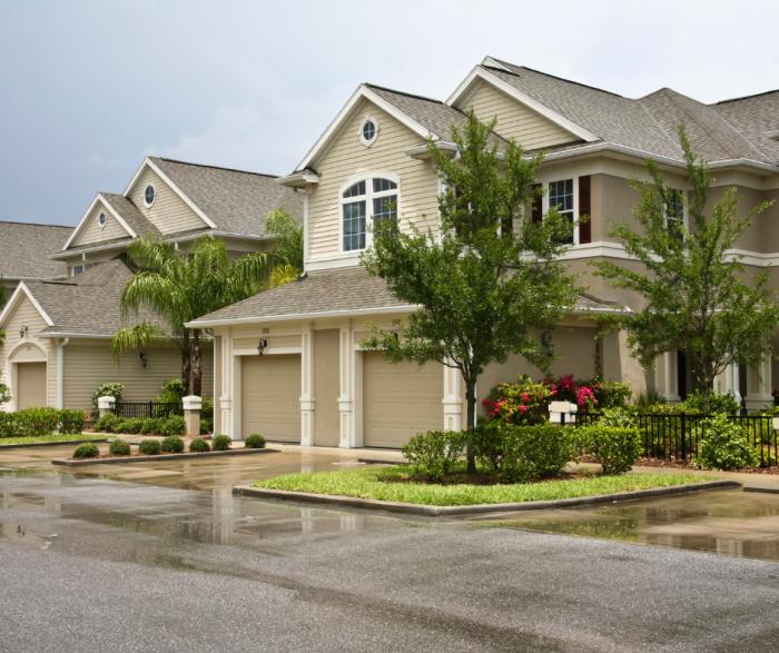 Tract Homes in Neighborhood